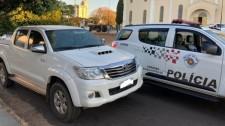 Em Lucélia, PM recupera dinheiro e camionete roubados em Osvaldo Cruz; duas pessoas foram presas