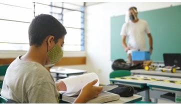 SP: Justiça determina volta de professores só após vacinação completa contra a Covid-19