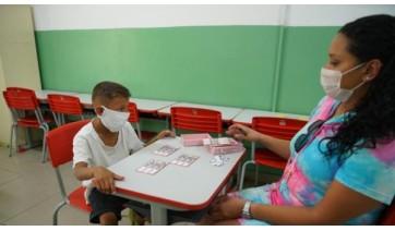Segundo a Secretaria Estadual de Educação, a reabertura das escolas deve respeitar limites máximos de alunos e protocolos sanitários (Divulgação).