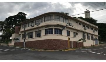 Câmara Municipal de Lucélia: apenas quatro vereadores, dos dez que disputaram reeleição, conseguiram manter a cadeira (Foto: Aqui Lucélia).