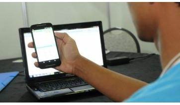 Chip será usado para garantir conexão à internet para o ensino remoto e híbrido, entre outras atividades pedagógicas online (Foto:  Álvaro Henrique / Secretaria de Educação).