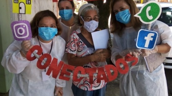 CRAS em Casa leva kits de com álcool e máscaras e atividades para casa dos atendidos