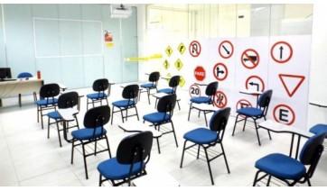 Para evitar aglomerações e não colocar a saúde em risco de alunos e instrutores, a abertura de novas turmas será restrita a 30% da capacidade de cada sala de aula (Reprodução).