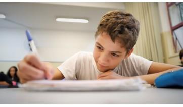 Os alunos que entregaram as atividades propostas neste ano serão aprovados para o próximo ano letivo, mas terão o aprendizado avaliado ao final de 2021 (Divulgação/SEE-SP).