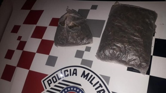 Em Lucélia, PM prende dois homens por tráfico de drogas e associação para o tráfico