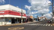 Em decreto, Prefeitura de Lucélia fixa horário entre 8h e 18h para reabertura do comércio
