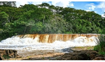 Salto Botelho, no Rio Aguapeí (Rio Feio) é a principal referência turística de Lucélia (Divulgação).