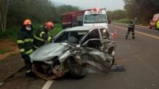 Carro com placas de Lucélia se envolve em acidente na SP-294, em Pacaembu