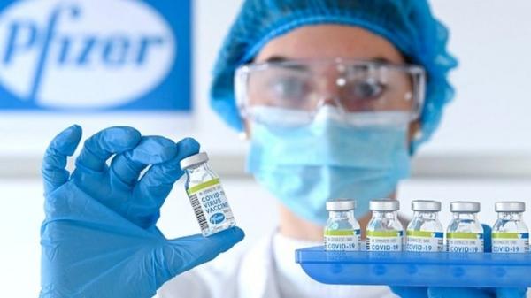 Vacina da Pfizer/BioNTech se torna a primeira no Brasil a obter o registro sanitário definitivo da Anvisa (Divulgação).