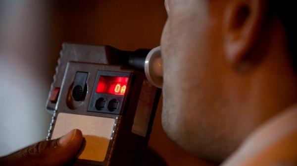 Teste do bafômetro conformou a embriaguez do motorista (Imagem: Ilustração).