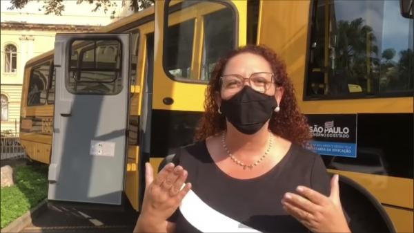 Em São Paulo, prefeita anuncia conquista do novo ônibus escolar (Reprodução).