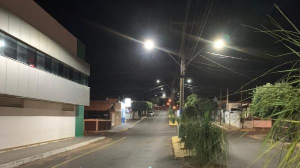 Avenida Leão Miguel Banwart foi uma das vias beneficiadas com a troca por lâmpadas Led, em  Inúbia Paulista (Divulgação/Energisa).